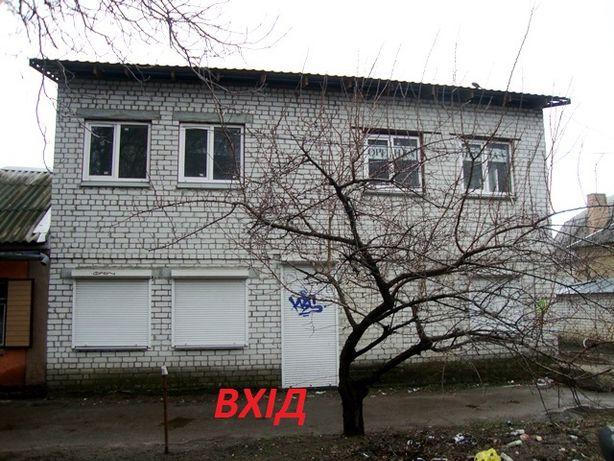 Фасадний угловий будинок - ЦЕНТР (р-н Центрального Ринку)