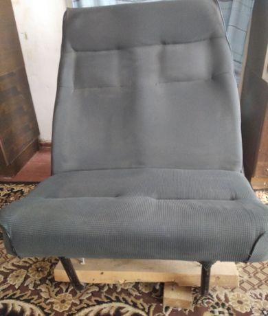 Кресло автомобильное 2x