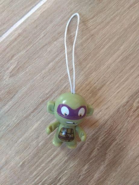Продам игрушку-брелок Черепашки Ниндзя из Киндер Сюрприз