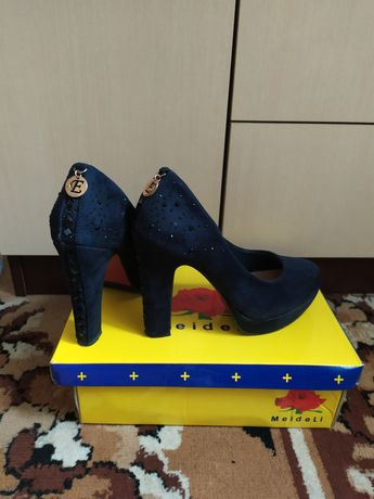 Женские туфли, жіночі туфлі