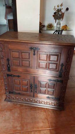 Armário antigo madeira