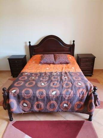 Vende-se cama de casal