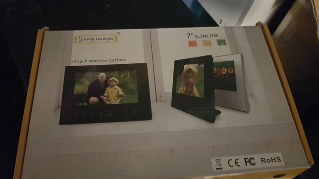 Living Images 7-calowa wąska czarna cyfrowa ramka na zdjęcia