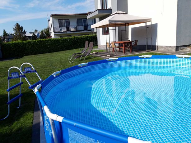 Pokoje gościnne z basenem
