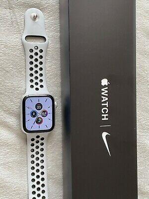 Apple Watch Nike Series 6 GPS + Cellular 44mm Prateado