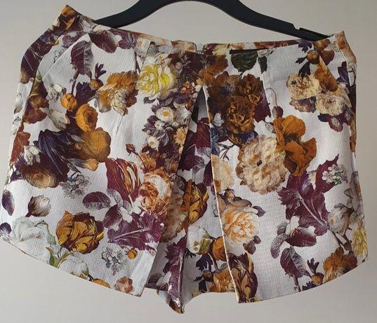 Spodenki szorty, spódniczka w kwiaty rozm. L, River Island