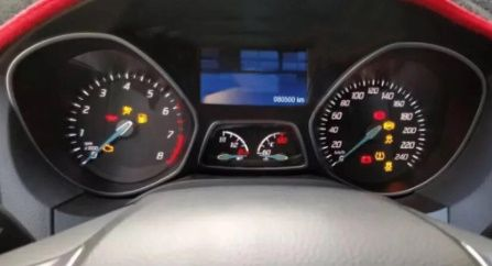 Reparação do display do quadrante Ford Focus 2013 a 2016