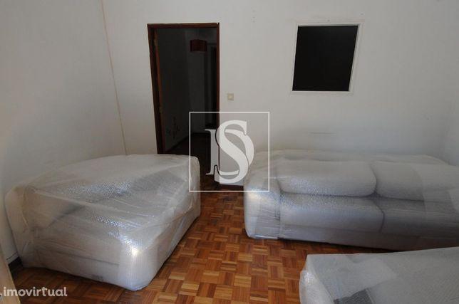 Moradia T2 para Restaurar em MERELIM S. PAIO | Braga