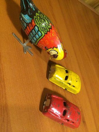 Brinquedos de folha antigos
