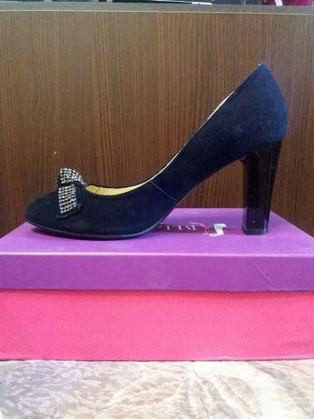 Туфли женские из экозамша 39 р