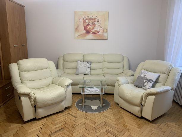 Zestaw wypoczynkowy sofa + dwa fotele