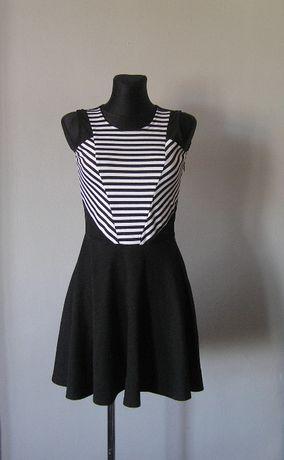 Super sukienka w czarno białe paseczki r. 36