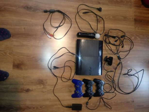 Konsola PS3 500GB 23 gry 3 pady kamera move, ładowarka