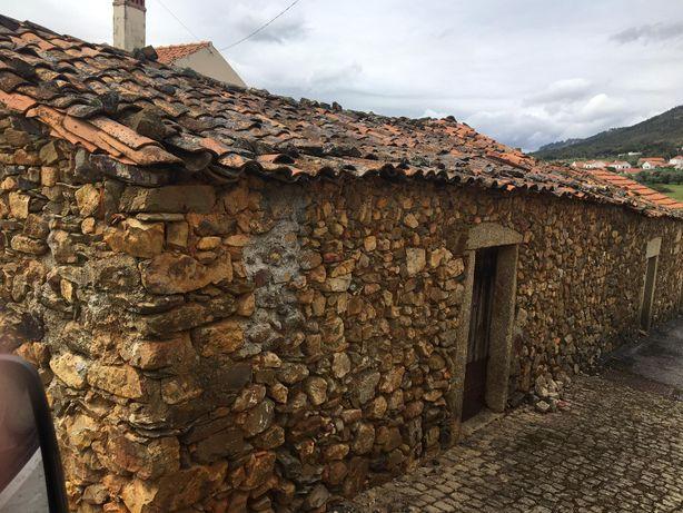 Palheiro na bonita Aldeia de Penha Garcia