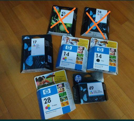 Vários tinteiros HP e Canon
