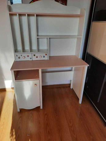 biurko dziewczece