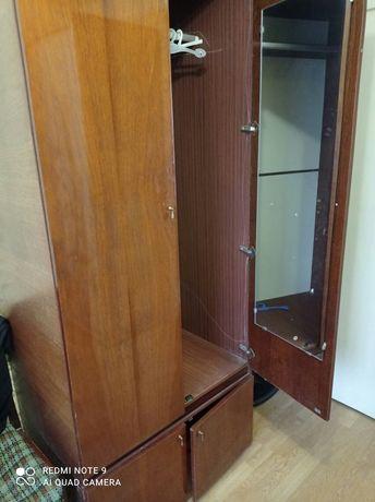 Шкаф платяной в идеальном состоянии, пр-во СССР