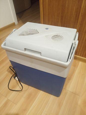 Продам автохолодильник 12/220 В.