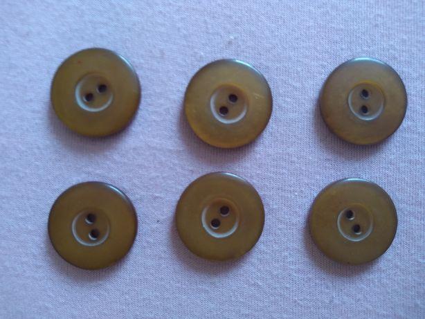 Karmelowe guziki 32 mm