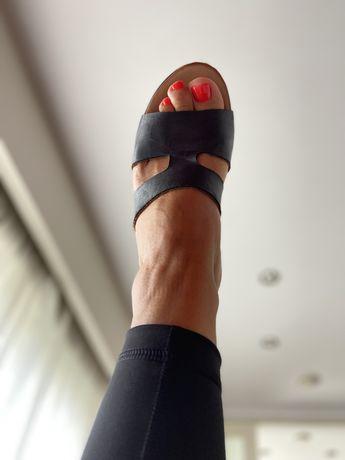 Sandálias/chinela em pele INUOVO nº37