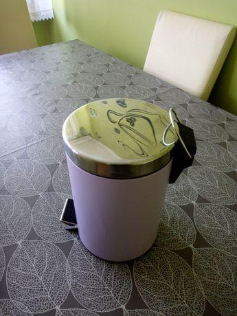 Kosz na śmieci z wiaderkiem