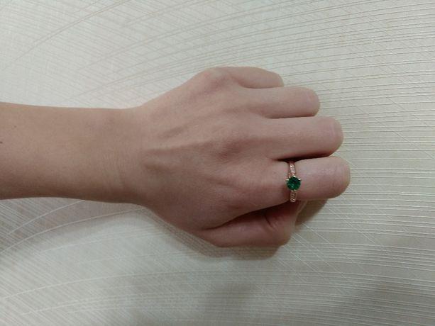 Колечко/кольцо с изумрудом (р.16.5)