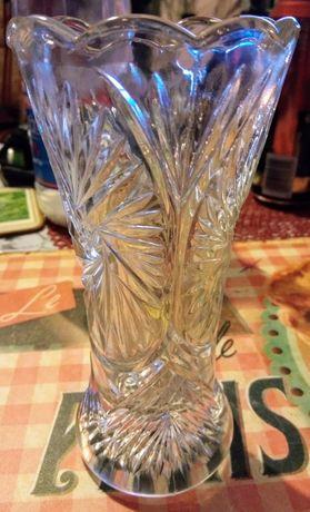 Niewielki szklany wazon (GERMANY)