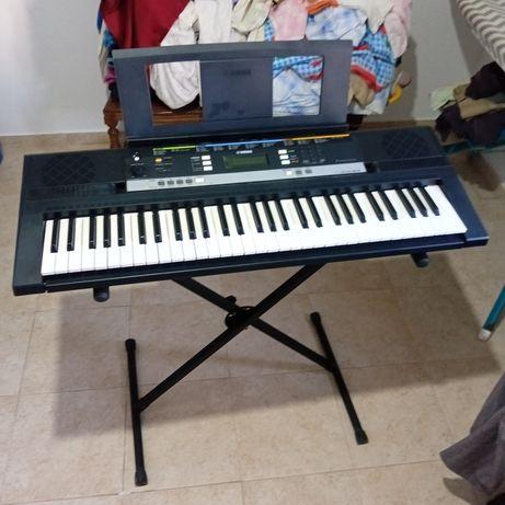 Órgão musical yamaha