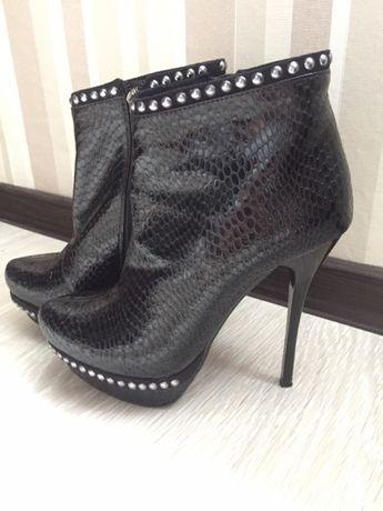 Продам ботиночки 36 размера