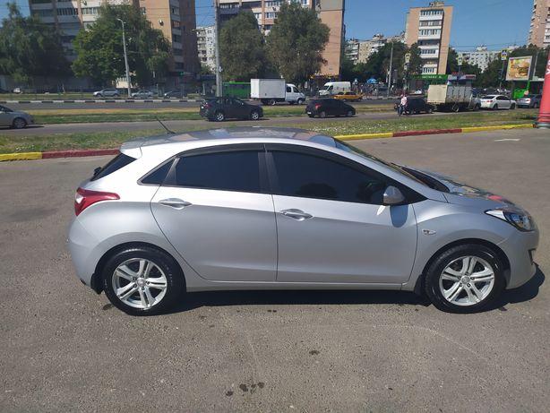 Hyundai i30 official