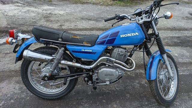 Motocykl HONDA CL250 - zarejestrowany jako zabytkowy, ubezpieczony