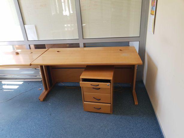 Biurka używane różne rodzaje