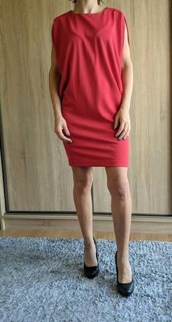 Czerwona dzianina, sukienka