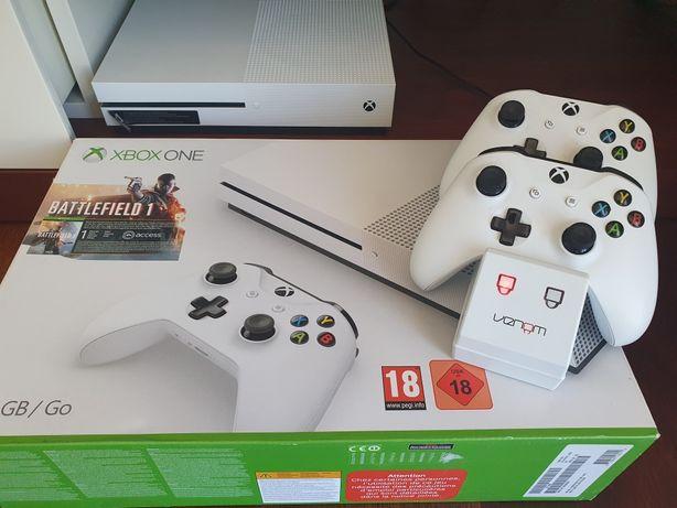 Consola Xbox One S - 4K - 2 comandos e carregador