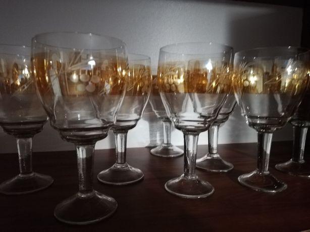 Бокали для вина чи соку