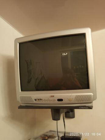 Телевизор JVC.
