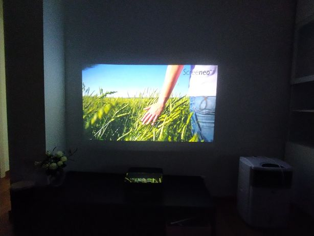 Projector Video Frontal Philips screeneo