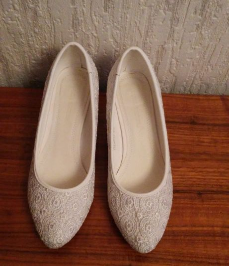 Туфли белые, кожа, кружево, фирмы Louisa Peeress