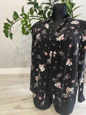 Czarna koszula w kwiaty