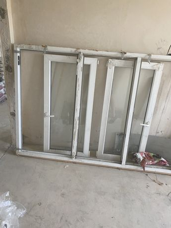 Пластиковое окно на балкон