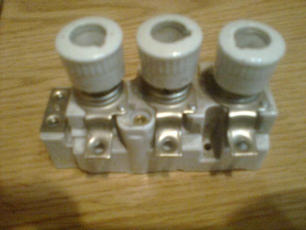 блок пробок провода