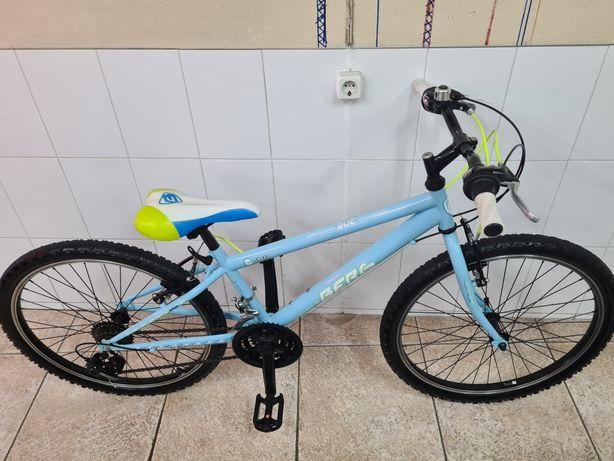 Bicicleta roda 24 marca Berg com 18 velocidades