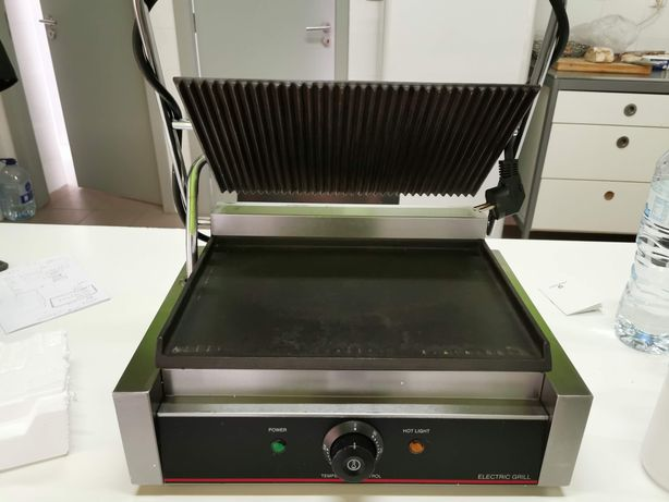 Tostadeira Profissional Electric Grill
