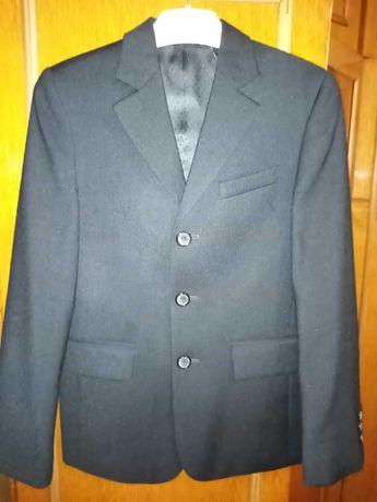 Продам пиджак для школы