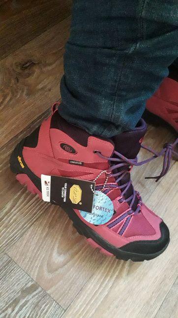 Продам шикарные ботинки Brutting Comfortex Vibram размер 40\Оригинал