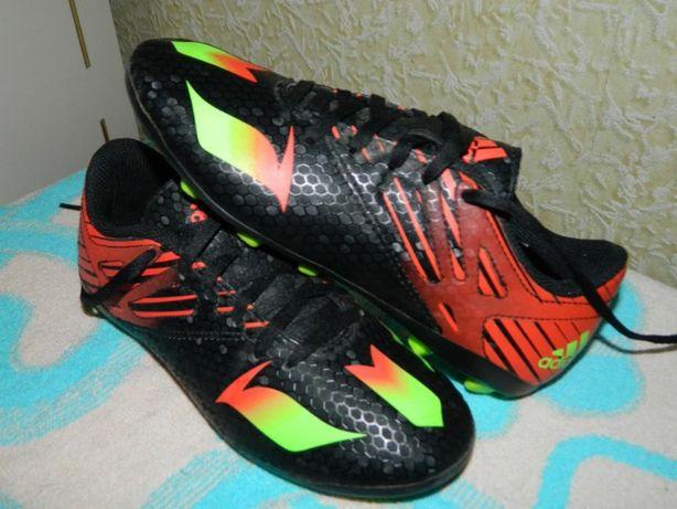 Копочки Adidas Messi (оригинал ) фирменные размер-35 стелька-21,5см