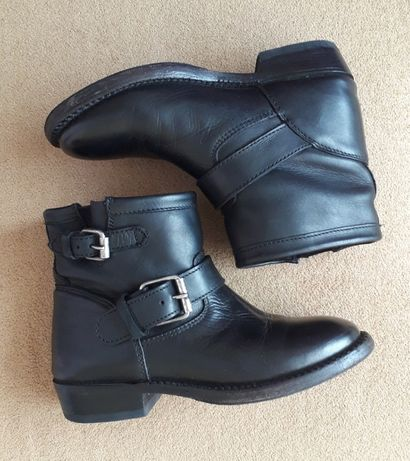 Ботинки кожаные,казаки,байкерские 36р