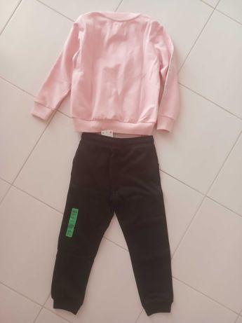 Спортивный костюм на девочку 5-6 лет комплект кофта и спортивные штаны