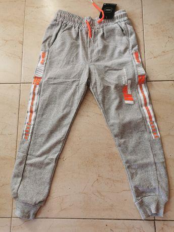 Spodnie dresowe 134/140 chłopięce