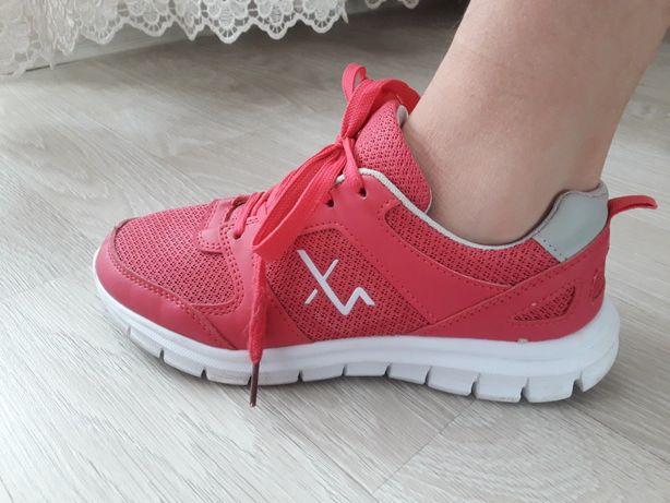 Кроссовки на девочку 36 размер